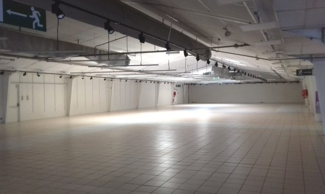 location Local Commercial 1500 m²