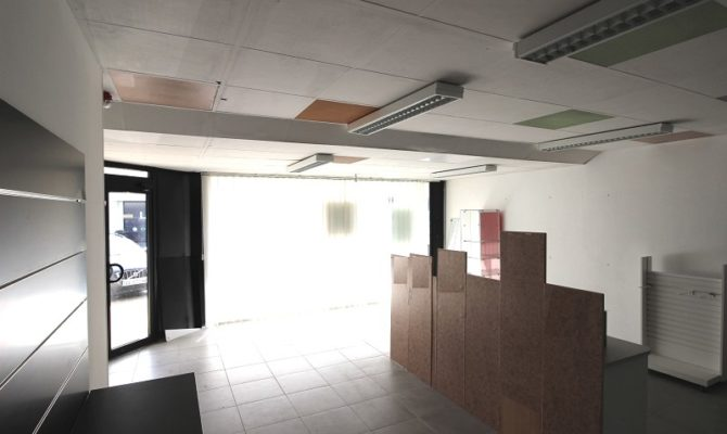location Local Commercial 65 m²