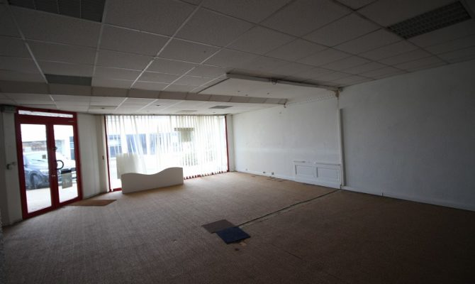 location Local Commercial 66 m²