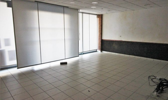 location Local Commercial 100m²