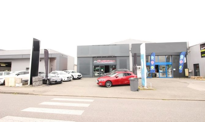location Local Commercial 290m²