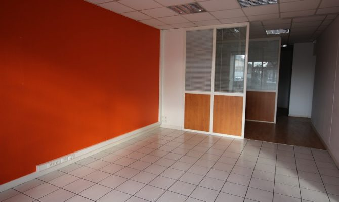 location Local Commercial 105 m²
