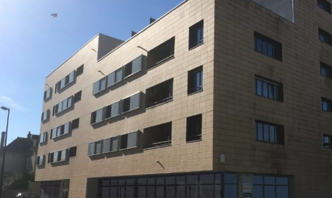 location Local Commercial 71m²