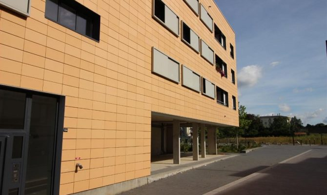 location Local Commercial 75m²