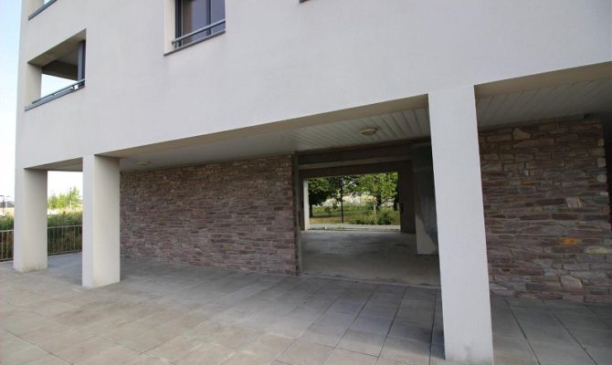 location Local Commercial 171m²